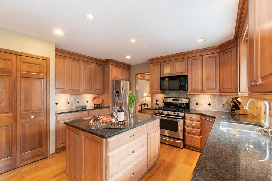 Real Estate Photography - 1844 N. Wilson Place, Arlington Heights, IL, 60004 - Kitchen
