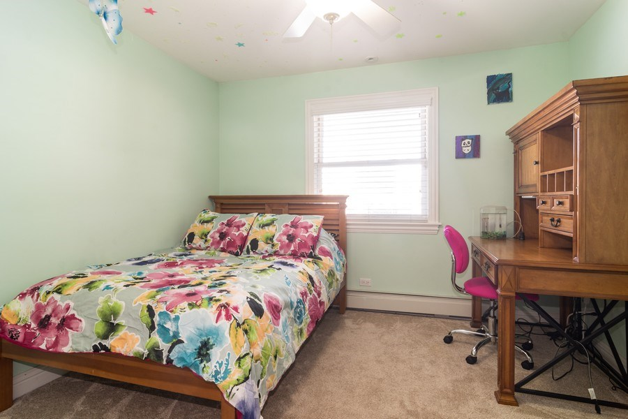Real Estate Photography - 674 N Maple Ave, Palatine, IL, 60067 - 4th Bedroom