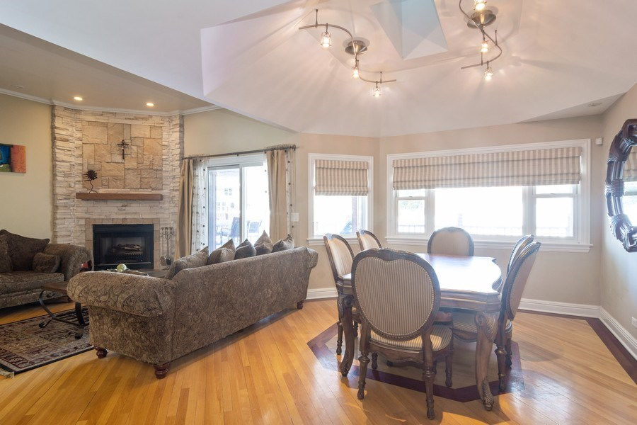 Real Estate Photography - 674 N Maple Ave, Palatine, IL, 60067 - Dining Room