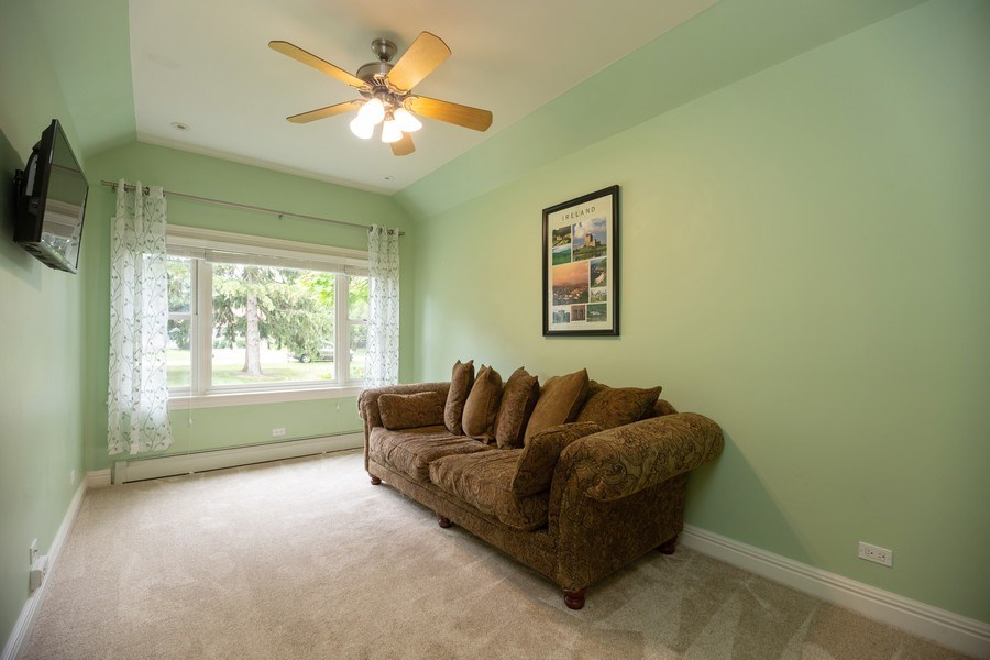 Real Estate Photography - 674 N Maple Ave, Palatine, IL, 60067 - Family Room