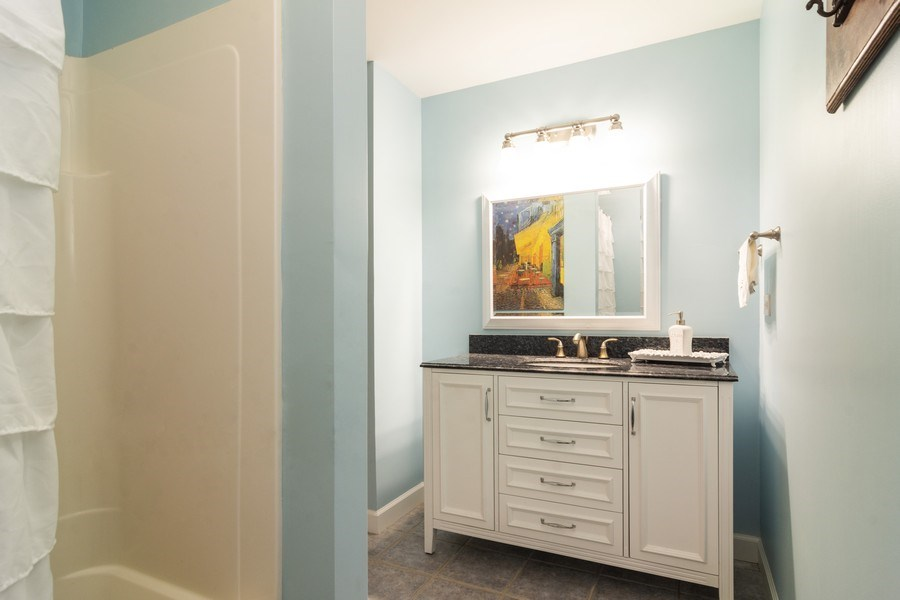 Real Estate Photography - 674 N Maple Ave, Palatine, IL, 60067 - 2nd Bathroom