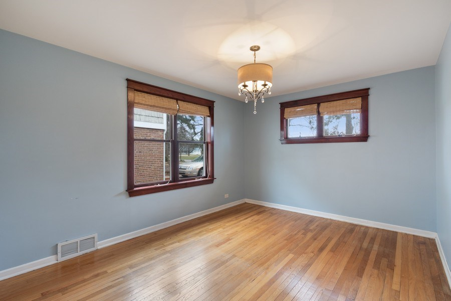 Real Estate Photography - 506 W. Sunset Rd, Mount Prospect, IL, 60056 - Master Bedroom