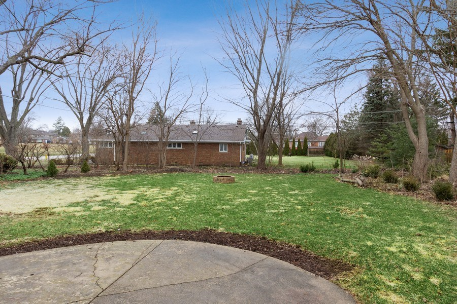 Real Estate Photography - 506 W. Sunset Rd, Mount Prospect, IL, 60056 - Back Yard