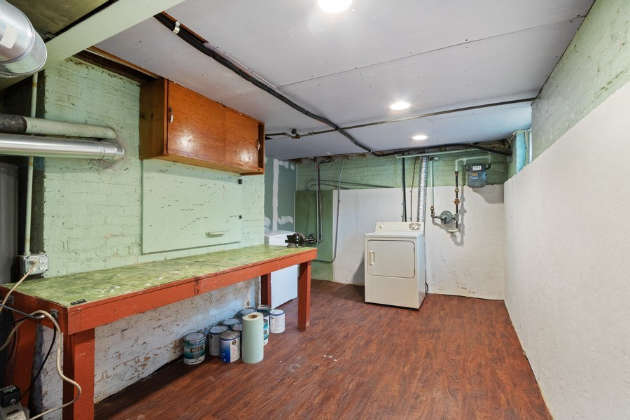 Real Estate Photography - 506 W. Sunset Rd, Mount Prospect, IL, 60056 - Laundry Room