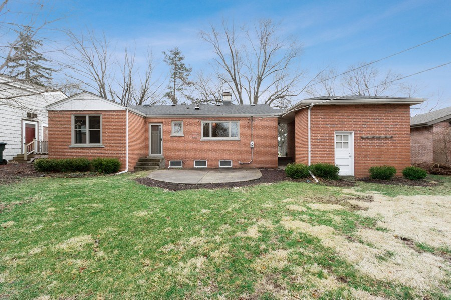 Real Estate Photography - 506 W. Sunset Rd, Mount Prospect, IL, 60056 - Rear View
