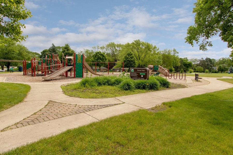 Real Estate Photography - 506 W. Sunset Rd, Mount Prospect, IL, 60056 -