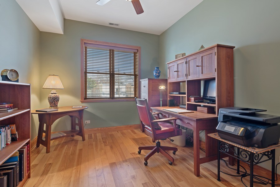 Real Estate Photography - 1728 W Winnemac, Chicago, IL, 60640 - Office/3rd Bedroom