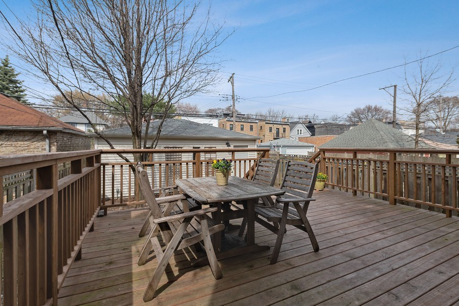 Real Estate Photography - 1728 W Winnemac, Chicago, IL, 60640 - Deck