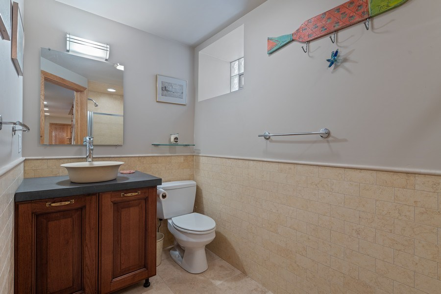 Real Estate Photography - 1728 W Winnemac, Chicago, IL, 60640 - 3rd Bathroom