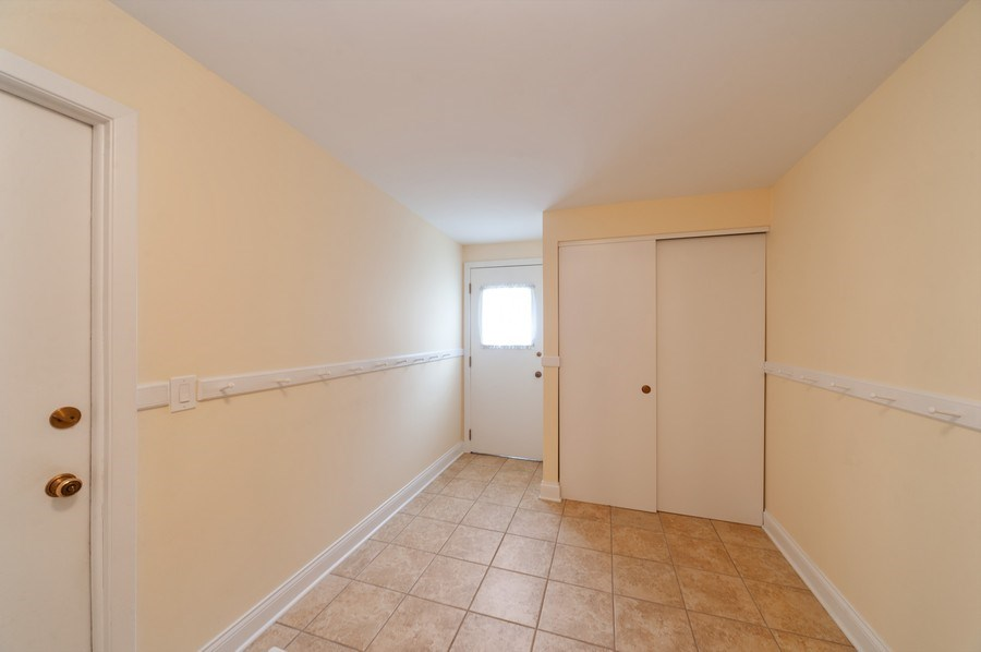 Real Estate Photography - 1141 Dawes Street, Libertyville, IL, 60048 - Mudroom