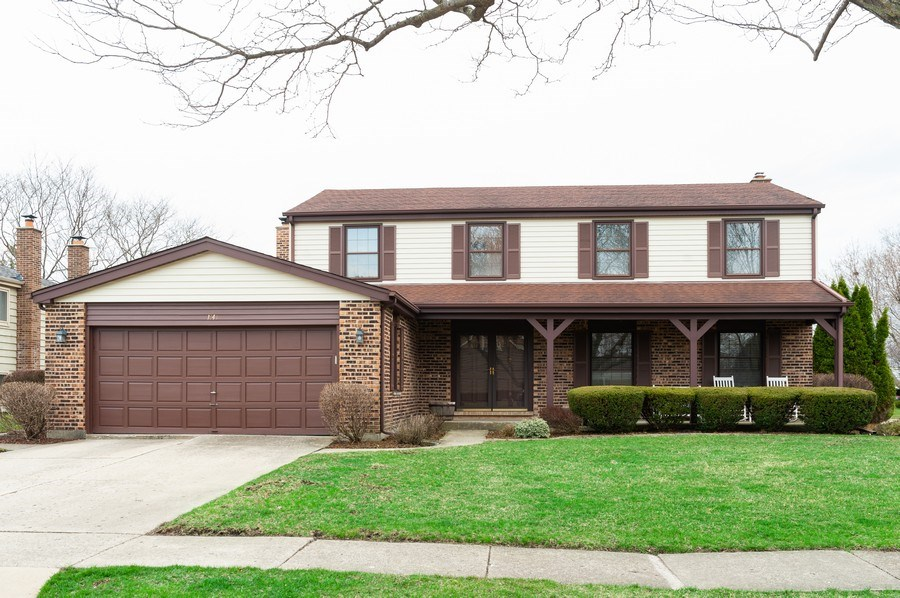 Real Estate Photography - 1141 Dawes Street, Libertyville, IL, 60048 - Front View