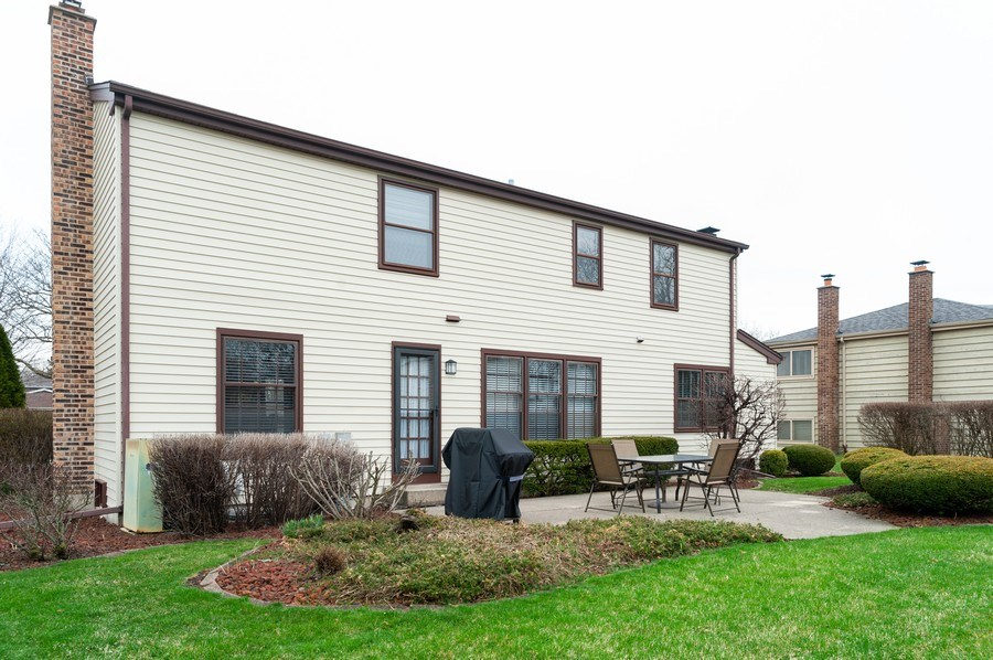 Real Estate Photography - 1141 Dawes Street, Libertyville, IL, 60048 - Rear View