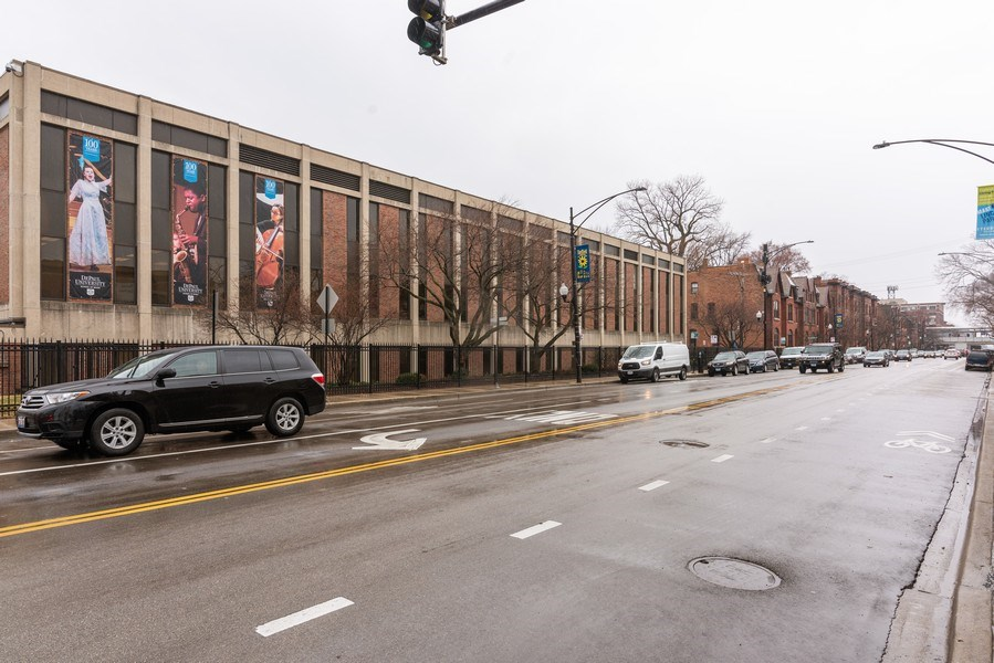 Real Estate Photography - 2410 N Lincoln Ave, Chicago, IL, 60614 -
