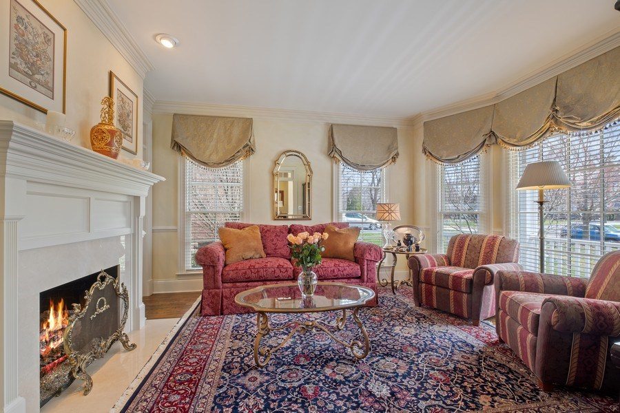 Real Estate Photography - 32 Hawthorne, Lake Bluff, IL, 60044 - Living Room