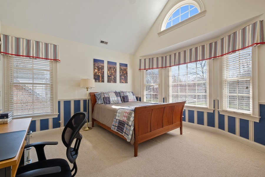 Real Estate Photography - 32 Hawthorne, Lake Bluff, IL, 60044 - 2nd Bedroom