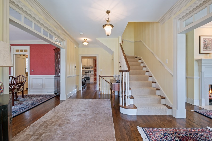 Real Estate Photography - 32 Hawthorne, Lake Bluff, IL, 60044 - Foyer