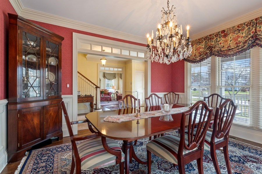 Real Estate Photography - 32 Hawthorne, Lake Bluff, IL, 60044 - Dining Room