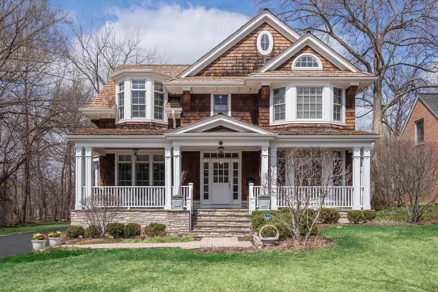 Real Estate Photography - 32 Hawthorne, Lake Bluff, IL, 60044 - Front View