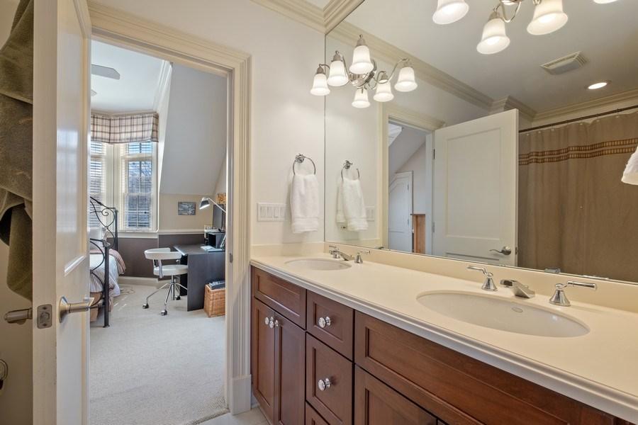 Real Estate Photography - 32 Hawthorne, Lake Bluff, IL, 60044 - 2nd Bathroom