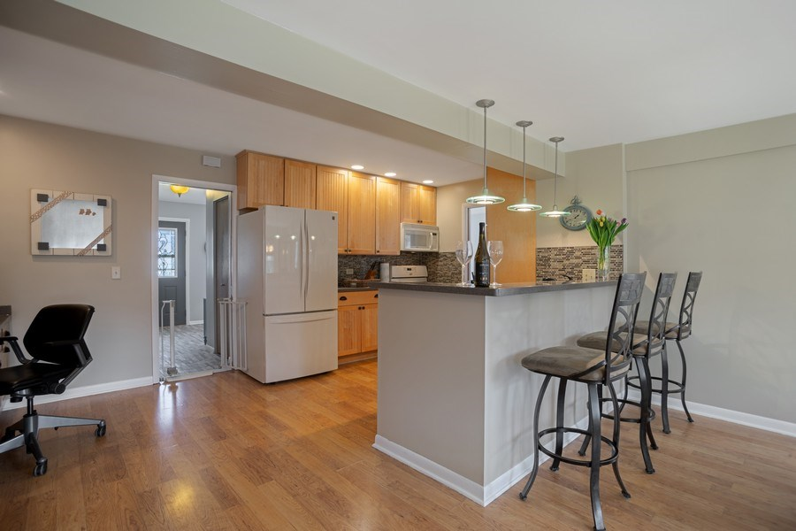 Real Estate Photography - 6 S. Waterman Ave., Arlington Heights, IL, 60004 - Kitchen