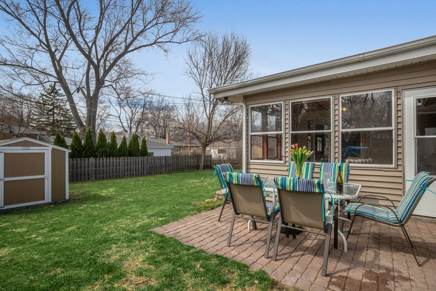 Real Estate Photography - 6 S. Waterman Ave., Arlington Heights, IL, 60004 - Patio/Yard View