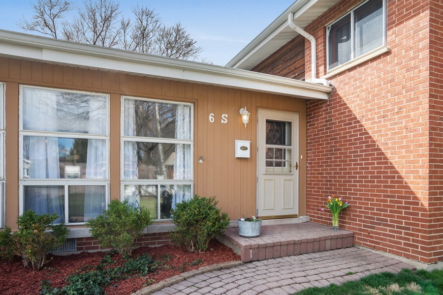 Real Estate Photography - 6 S. Waterman Ave., Arlington Heights, IL, 60004 - Front Entry