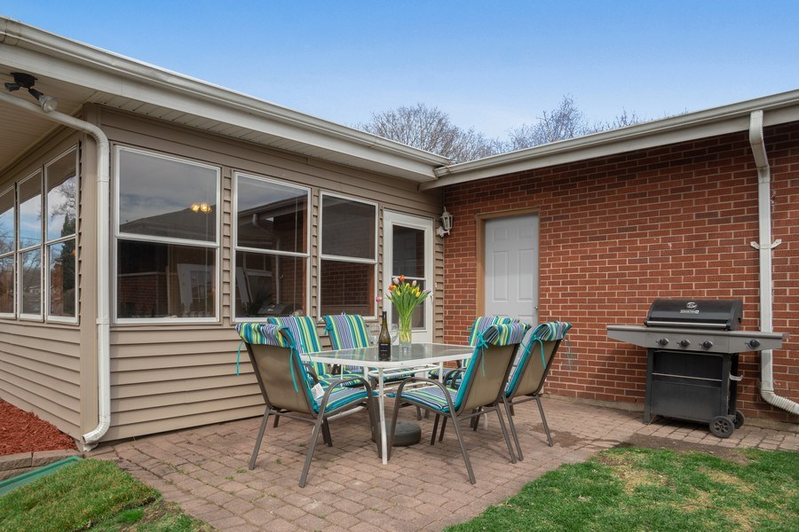 Real Estate Photography - 6 S. Waterman Ave., Arlington Heights, IL, 60004 - Patio View