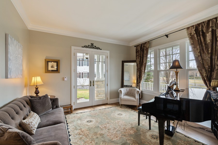 Real Estate Photography - 1125 Emmons Ct, Lake Forest, IL, 60045 - Living Room