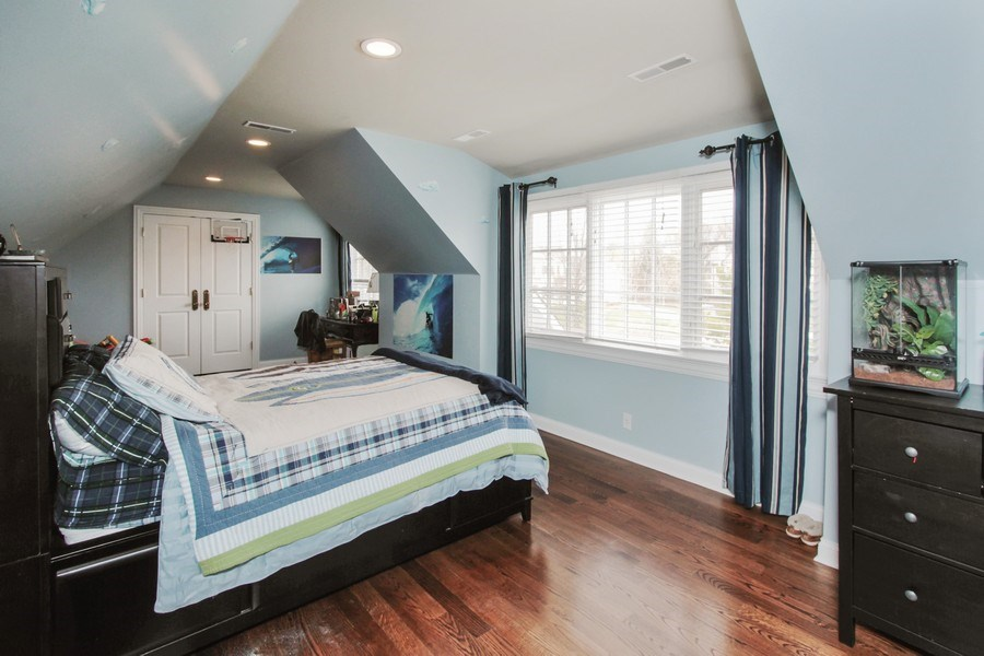 Real Estate Photography - 1125 Emmons Ct, Lake Forest, IL, 60045 - 3rd Bedroom