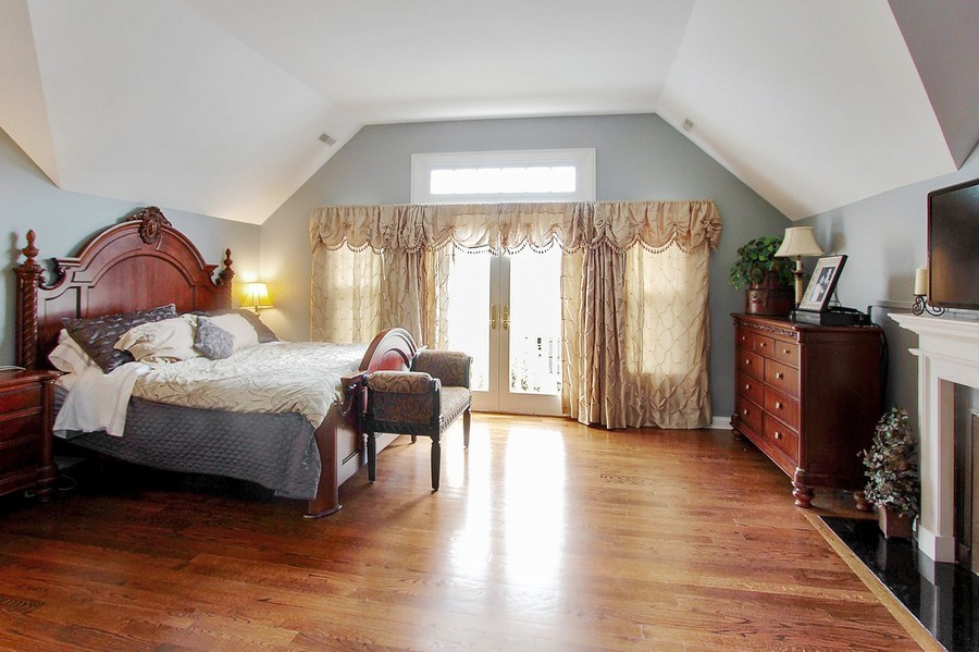Real Estate Photography - 1125 Emmons Ct, Lake Forest, IL, 60045 - Master Bedroom