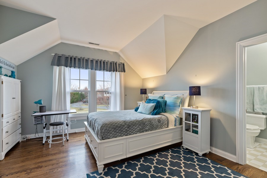 Real Estate Photography - 1125 Emmons Ct, Lake Forest, IL, 60045 - Bedroom