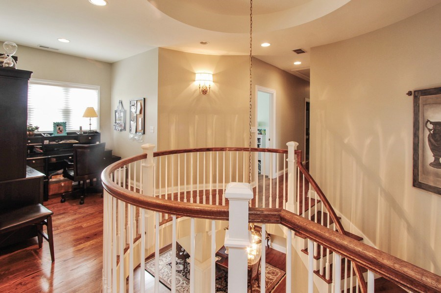 Real Estate Photography - 1125 Emmons Ct, Lake Forest, IL, 60045 - Loft