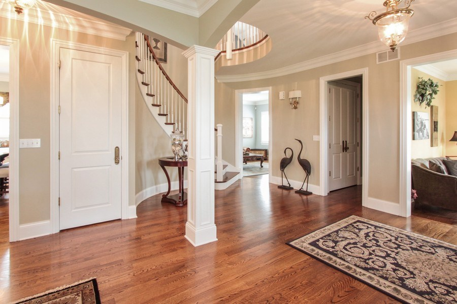 Real Estate Photography - 1125 Emmons Ct, Lake Forest, IL, 60045 - Entryway
