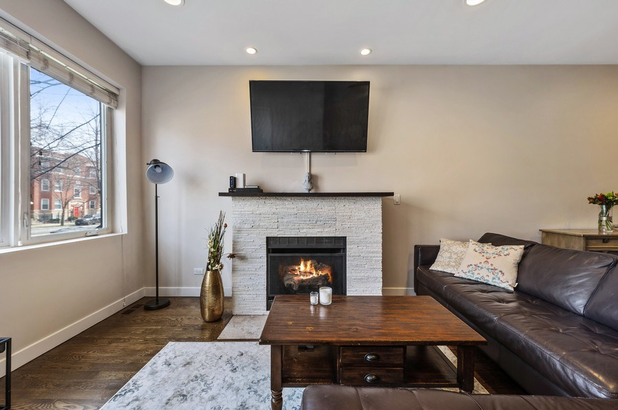 Real Estate Photography - 1916 N. Kedzie Ave., #1F, Chicago, IL, 60647 - Living Room