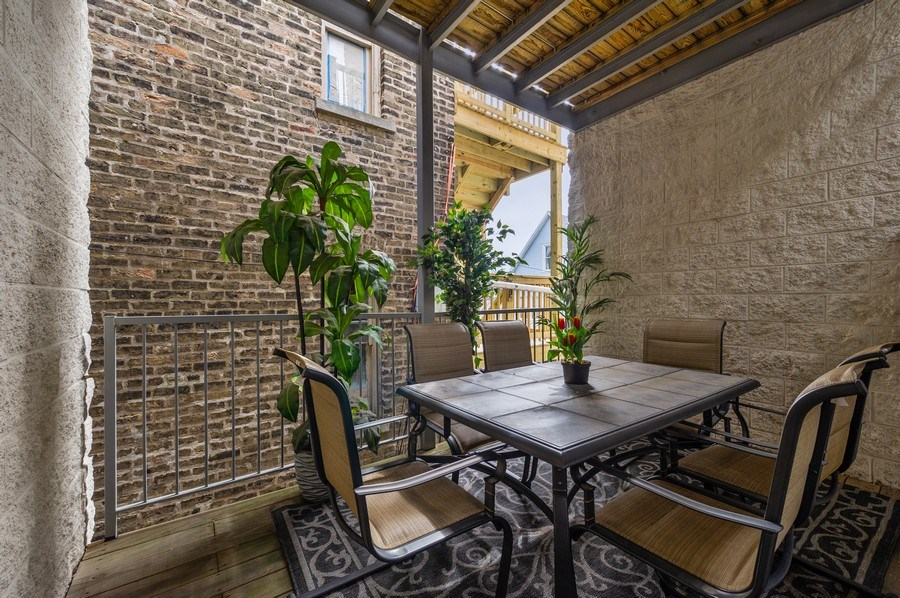 Real Estate Photography - 1916 N. Kedzie Ave., #1F, Chicago, IL, 60647 - Deck