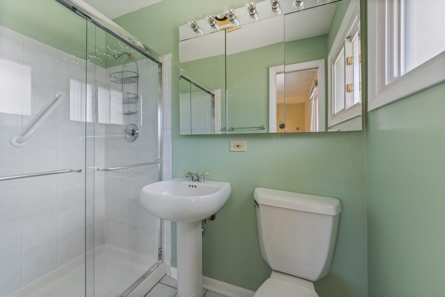 Real Estate Photography - 25 N Forrest, Arlington Heights, IL, 60004 - Master Bathroom