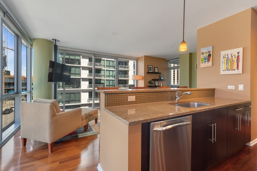 Real Estate Photography - 125 S Green St, Unit 301 A, Chicago, IL, 60607 - Kitchen