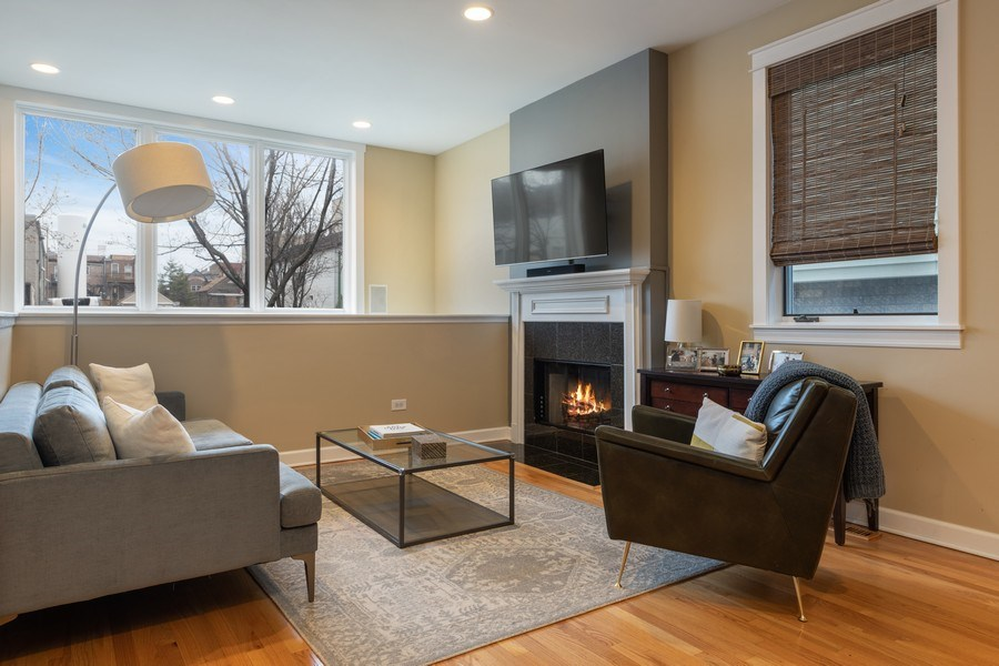 Real Estate Photography - 1369 W Hubbard St, Unit 1E, Chicago, IL, 60642 - Living Room