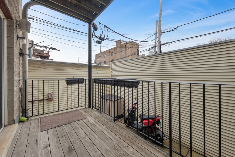 Real Estate Photography - 1369 W Hubbard St, Unit 1E, Chicago, IL, 60642 - Deck