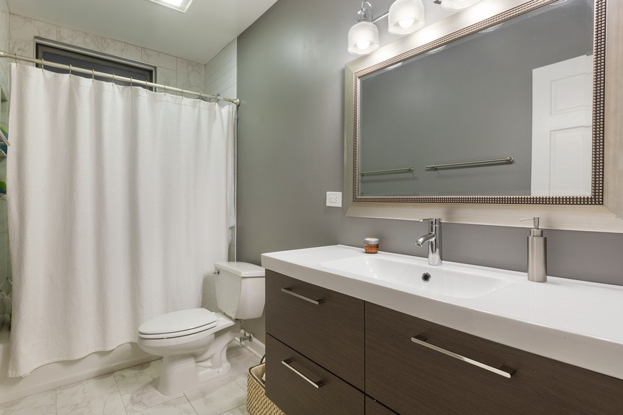 Real Estate Photography - 1369 W Hubbard St, Unit 1E, Chicago, IL, 60642 - Bathroom