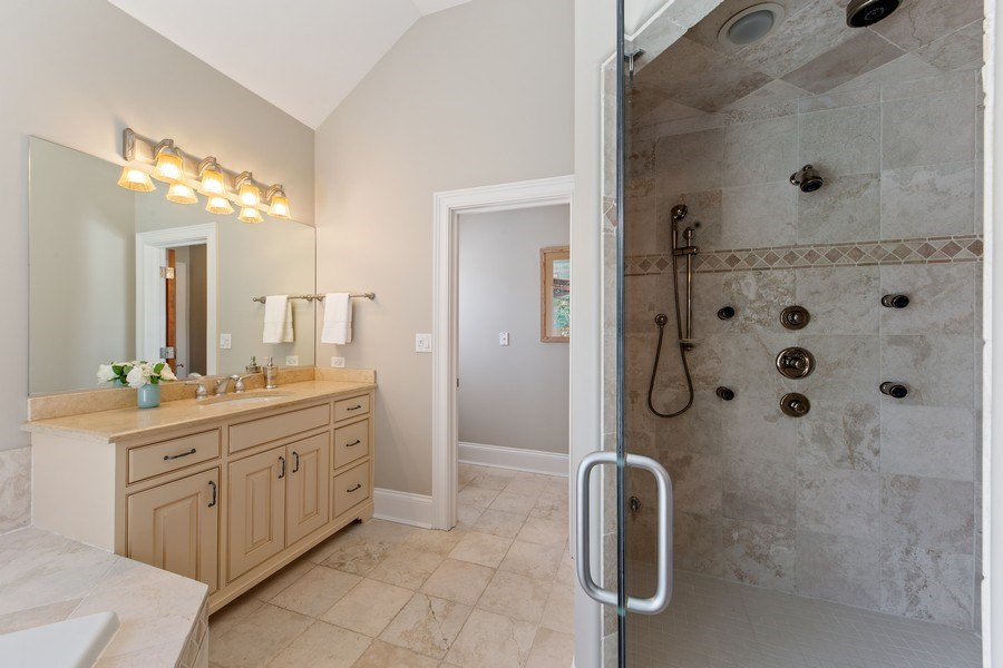 Real Estate Photography - 107 N Bruner St, Hinsdale, IL, 60521 - Master Bathroom