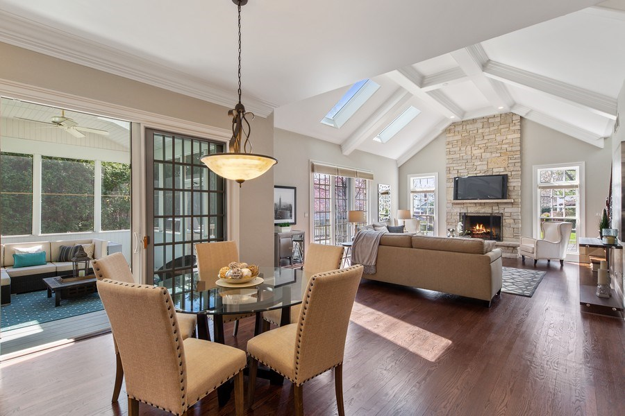 Real Estate Photography - 107 N Bruner St, Hinsdale, IL, 60521 - Breakfast Area