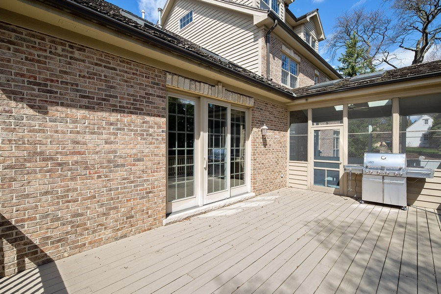 Real Estate Photography - 107 N Bruner St, Hinsdale, IL, 60521 - Deck