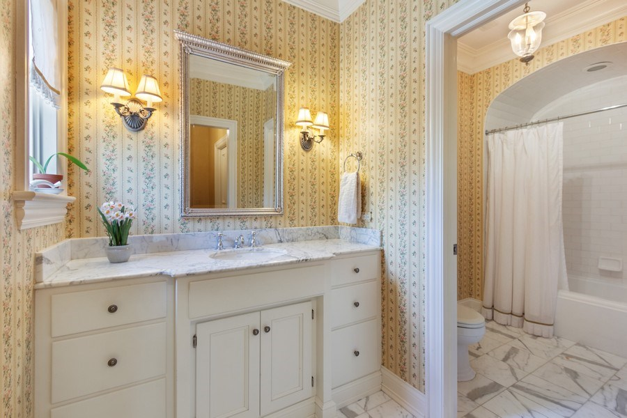 Real Estate Photography - 900 Lake St, Libertyville, IL, 60048 - 4th Bathroom