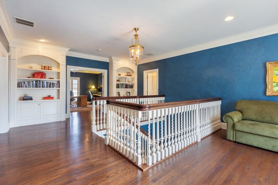Real Estate Photography - 900 Lake St, Libertyville, IL, 60048 - 2nd Floor Corridor