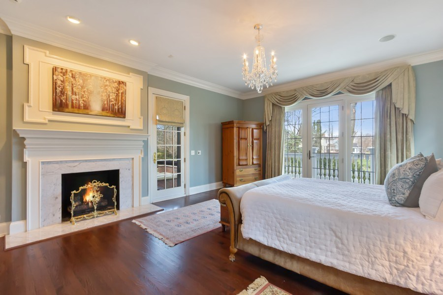 Real Estate Photography - 900 Lake St, Libertyville, IL, 60048 - Master Bedroom