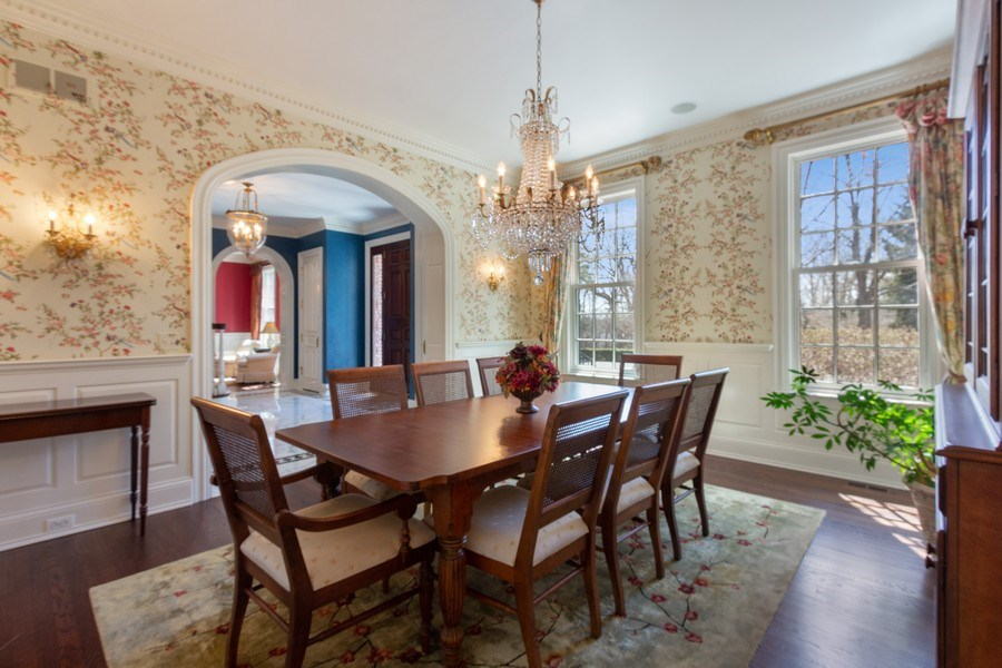 Real Estate Photography - 900 Lake St, Libertyville, IL, 60048 - Dining Room
