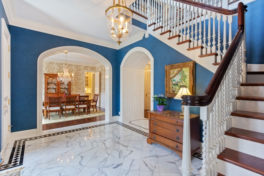 Real Estate Photography - 900 Lake St, Libertyville, IL, 60048 - Foyer