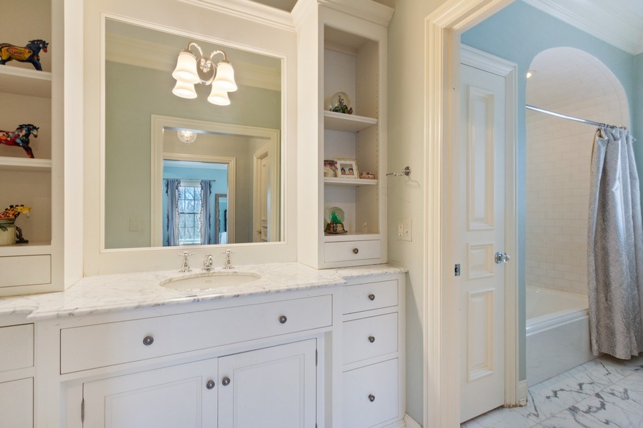 Real Estate Photography - 900 Lake St, Libertyville, IL, 60048 - 2nd Bathroom
