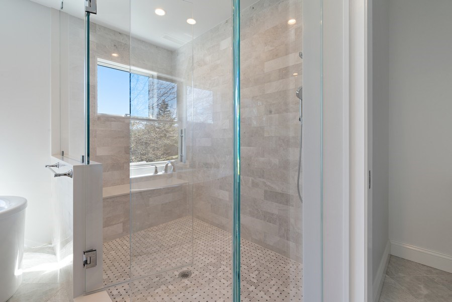 Real Estate Photography - 552 Welch Cir, Lake Barrington, IL, 60010 - Master Bathroom